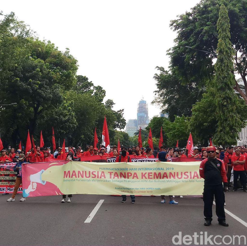 Peringati Hari HAM Internasional, Mahasiswa-Buruh Demo di Depan Istana