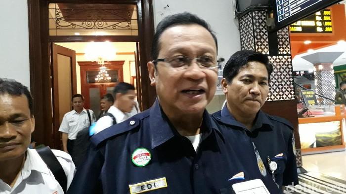 Dirut PT KAI, Edi Sukmoro, di Stasiun Tugu Yogyakarta, Selasa (10/12/2019).  (Pradito Rida Pertana/detikcom)