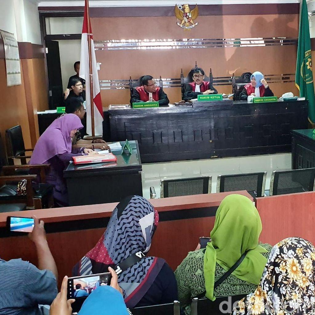 Presiden dan Gubernur Absen, Gugatan Class Action Jalan Prana Ditunda