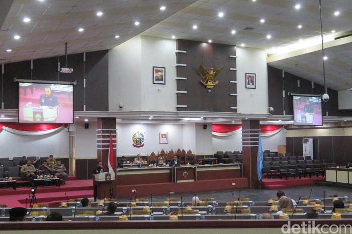 DPRD bersama Pemerintah Provinsi Sulawesi Selatan (Sulsel) melakukan pembahasan terkait penyusunan rancangan peraturan daerah (Ranperda) tentang pelestarian warisan budaya tak benda.