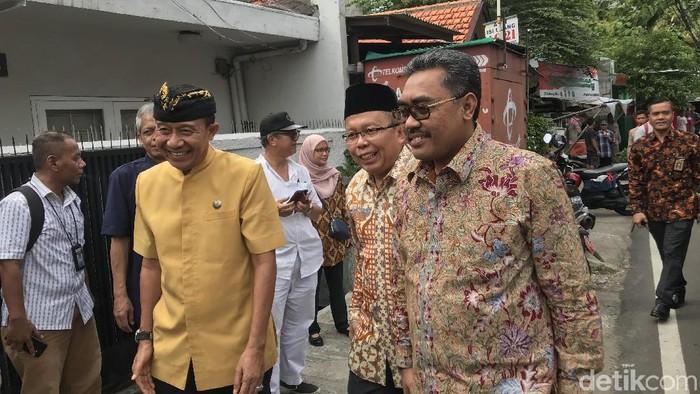 Foto: Pimpinan MPR menemui Ketua Parisada Hindu Dharma Indonesia (PHDI) Wisnu Bawa Tenaya. (Rolando-detikcom)