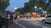 Demo Peringatan Hari HAM Sedunia di Depan Istana Bubar, Lalin Lancar
