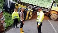 Longsor Sumbar-Riau, Dua Orang Luka dan Tiga Kendaraan Tertimbun