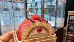 Seru! Mesin Pencapit Ini Tawarkan Hadiah Cheesecake hingga Roll Cake