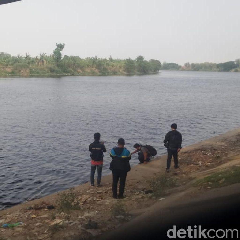 Air Bengawan Solo yang Hitam Kecokelatan Berasal dari Wilayah Hulu