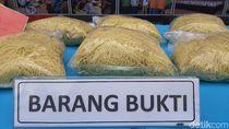 Polisi Gagalkan Peredaran 2,4 Ton Mi Formalin di Palembang