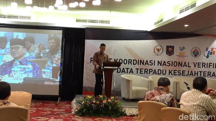 Mensos Juliari Batubara dalam rapat koordinasi verifikasi dan validasi Data Terpadu Kesejahteraan Sosial (DTKS) Tahun 2019. (Rahel/detikcom)
