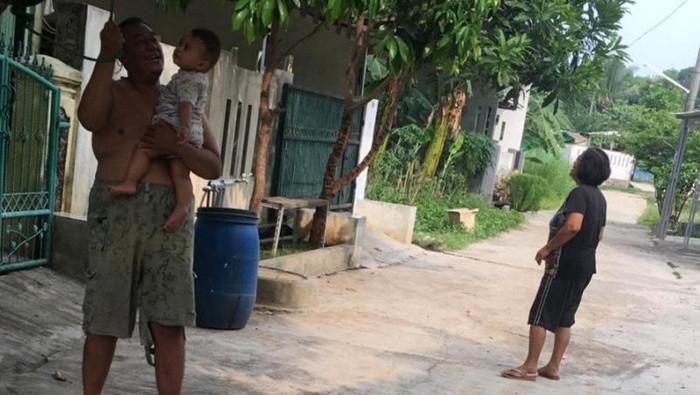 Sebagian warga Kabupaten Bekasi merasakan gempa. (Antara)