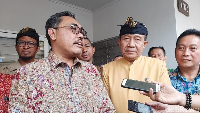 Pimpinan MPR menemui Ketua Parisada Hindu Dharma Indonesia. (Rolando FS/detikcom)