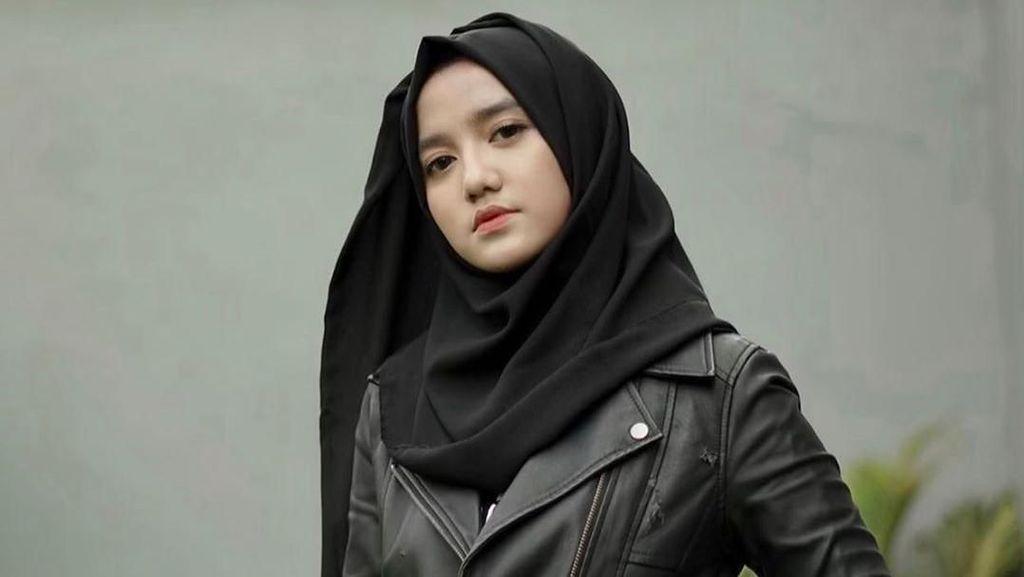 Kisah Inspiratif Hijabers Milenial Wirda Mansur, Jadi Direktur di Usia 18