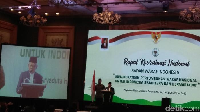 Wakil Presiden Maruf Amin saat membuka Rakornas Badan Wakaf Indonesia (BWI). (Fida Ul Haq/detikcom)