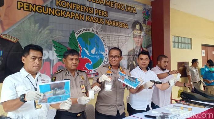 Polda Metro Jaya mengungkap kasus sabu dan curanmor. (Wildan/detikcom)