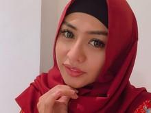 Posting Foto Berhijab, Jelly Jelo Hebohkan Netizen dan Bikin Pangling