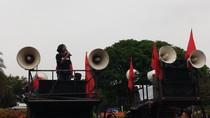 Demo Depan Istana, Ketua YLBHI Orasi soal Reformasi Dikorupsi