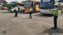 Jelang Nataru, Sopir Bus di Terminal Ciamis Dites Kesehatan-Urine