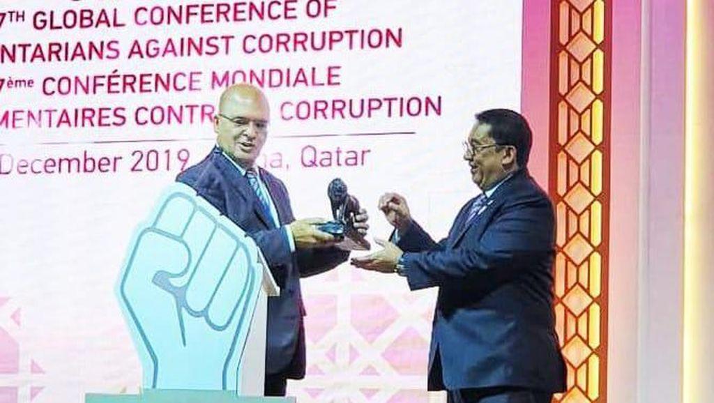 Fadli Zon Raih Champion of Corruption Awards dari Parlemen Antikorupsi Afrika