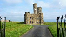 Bermalam di Kastil Sungguhan bagaikan Raja dan Ratu, Siapa Mau?