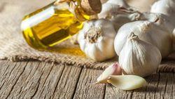 5 Fakta Minyak Bawang Putih, Melezatkan Masakan hingga Sehatkan Kulit