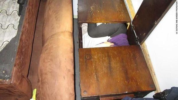 Imigran China ditemukan sembunyi di dalam furnitur yang ada di truk yang sedang melintasi perbatasan AS-Meksiko