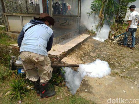 Fogging masih dilakukan di Royal Citayam