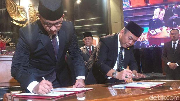 Pemprov DKI Jakarta bersama dengan DPRD DKI Jakarta menyepakati Raperda APBD tahun anggaran 2020
