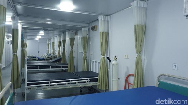RS apung juga dilengkapi ruang perawatan.