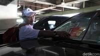 Sebagai informasi, BPRD sendiri menyasar 1.104 unit mobil mewah penunggak pajak, yang tersebar di 5 wilayah DKI Jakarta. Menurut Kepala BPRD DKI Jakarta, Faisal Syafruddin, dari 1.104 unit, sudah 300-an yang membayar pajak. Petugas pun terus menyisir para pemilik kendaraan yang belum membayar maupun menunggak pajak agar menyelesaikan kewajibannya.