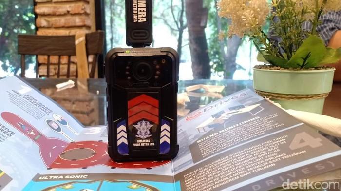 Bodycam akan dipasang di seragam polantas Polda Metro Jaya. (Wildan/detikcom)