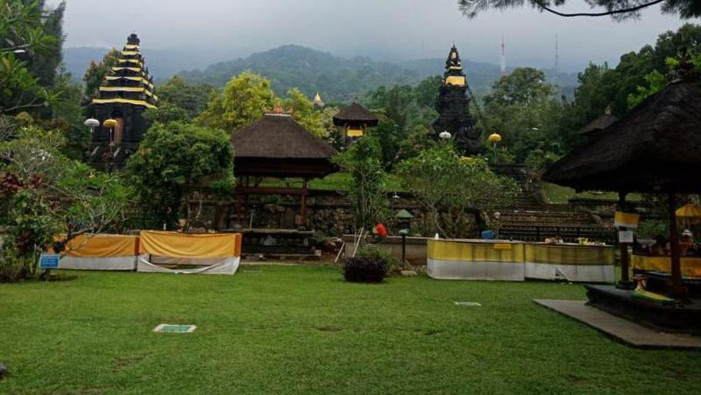 Bukan di Bali, Ini di Kaki Gunung Salak
