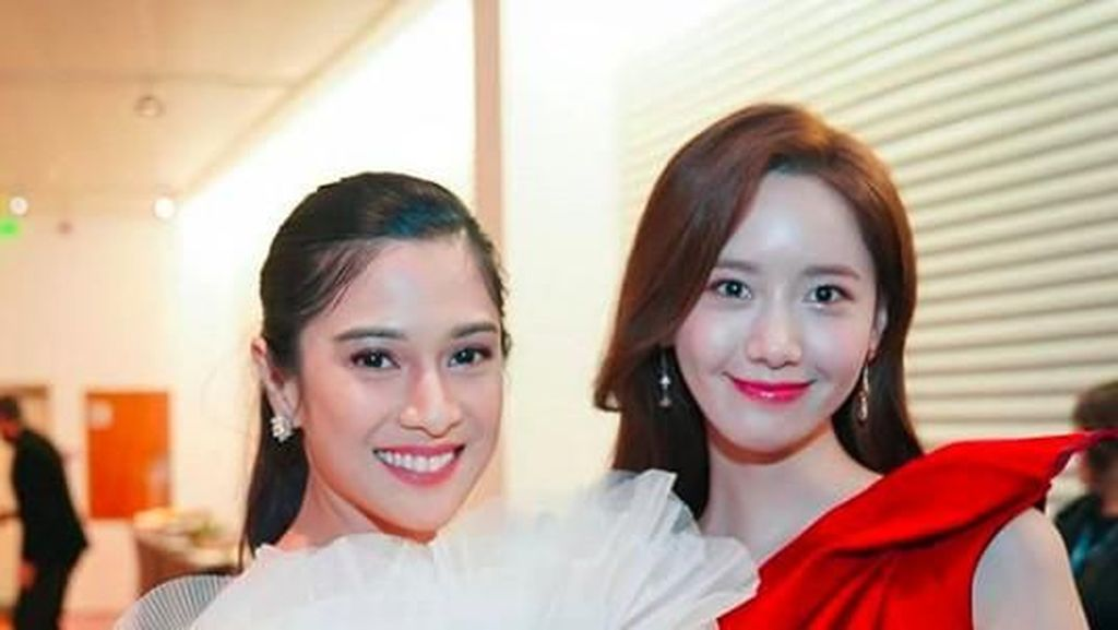 Momen Dian Sastro & Yoona SNSD yang Disebut Netizen Pertemuan Bidadari Surga