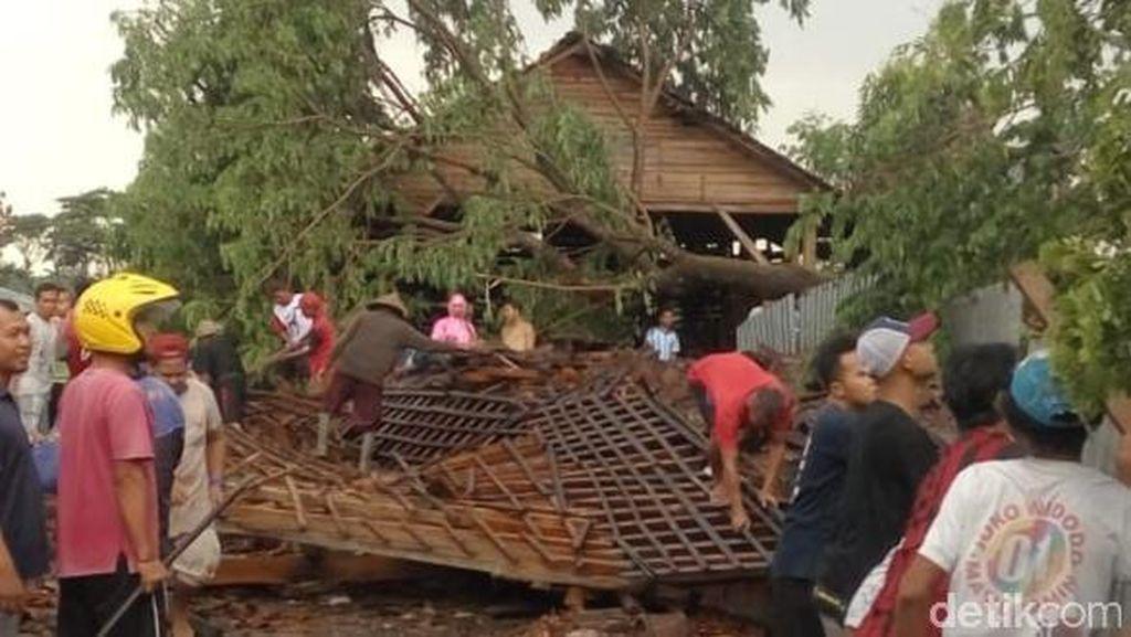 Hujan Disertai Lisus di Klaten, Seorang Bocah Tewas dan 4 Luka