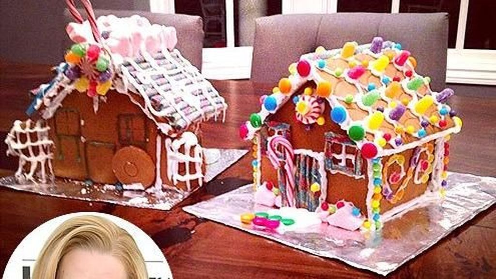 Kreatif! Kelly Jenner dan Iggy Azalea Bikin Kreasi Gingerbread House