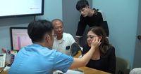 Menantu Idaman! Lee Jeong Hoon Traktir Mertua Oplas di Korea