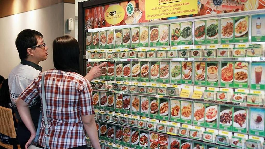 Penjelasan DCost Soal Larangan Makan Kue Tanpa Sertifikat Halal di Area Resto