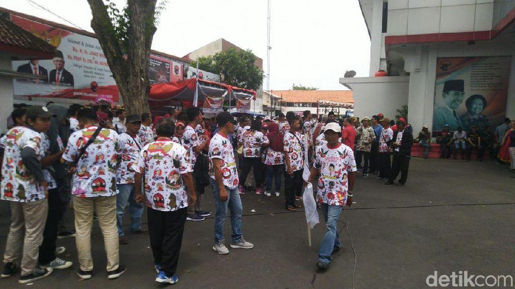 Rombongan Relawan yang Antar Gibran Sudah Tiba di DPD PDIP Jateng