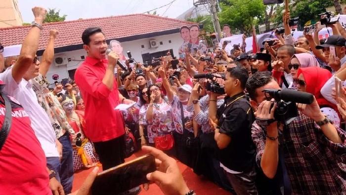 Gibran Rakabuming saat orasi di kantor DPD PDIP Jateng (Foto: dok. pool)