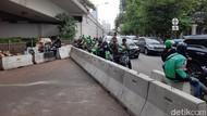 TransJ-Mobil Tak Bisa Lintasi U-Turn Jl Satrio, Motor Diberi Jalur Khusus