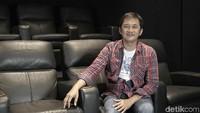 Filmnya Jadi Box Office, Hanung Nazar Ajak Umrah Korban Travel Haji