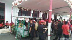 Para Pendaftar Pilkada Bawa Rombongan Makan Bersama, PDIP Jateng: Silakan