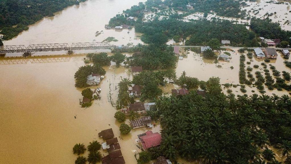 Banjir di Kampar Riau Dilihat dari Udara