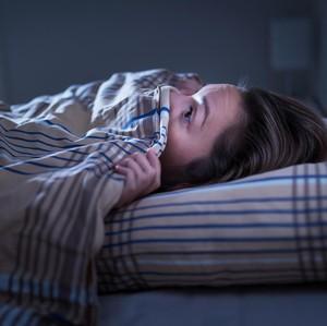 Arti Mimpi Video Call dengan Pacar yang Sedang Bersama Wanita Lain