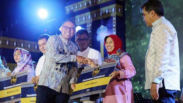 Fifth image of Kuartal I 2018 Telkom Raih Pendapatan Rp 32 3 Triliun with Bank bjb Berangkatkan 140 Pemenang bjb Perjalanan Religi 2019