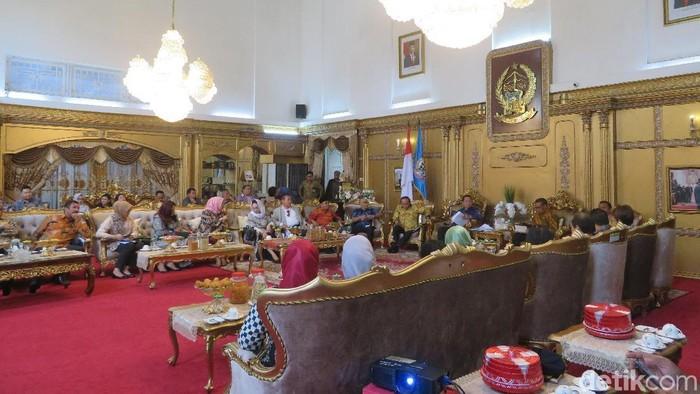 Pertemuan pemerintah kabupaten/kota di Sulsel dengan Banggar DPR RI. (Noval Dhwinuari Antony/detikcom)