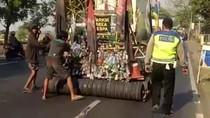 Vespa Gembel Ini Diamankan karena Melintas di Jalan Surabaya-Pasuruan