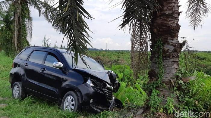 Foto: Mobil yang dirampok pelaku (Datuk Haris-detikcom)