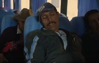 Bagi orang-orang Peru saat melintasi Pegunungan Andes ini, lebih baik datang terlambat di dunia dibanding datang terlalu cepat di kehidupan nanti (BBC)