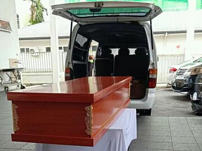 Peti jenazah korban pembunuhan TKI asal Trenggalek di Malaysia/Foto: Istimewa