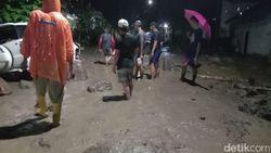 Ayah-Anak Korban Tewas saat Banjir Bandang Sigi Menerjang Rumah