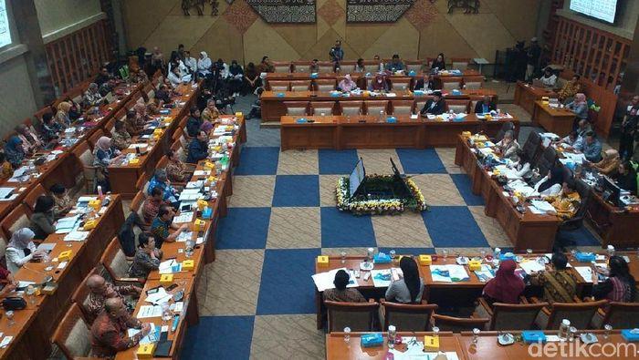 Foto: Rapat Iuran BPJS Kesehatan di DPR (Sylke Febrina Laucereno/detikFinance)
