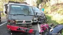 2 Pelajar SMP Jadi Korban Kecelakaan Beruntun 3 Kendaraan di Jombang